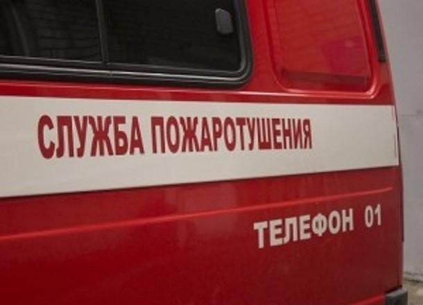 Toyota Avensis сгорела на западе Волгограда при невыясненных обстоятельствах