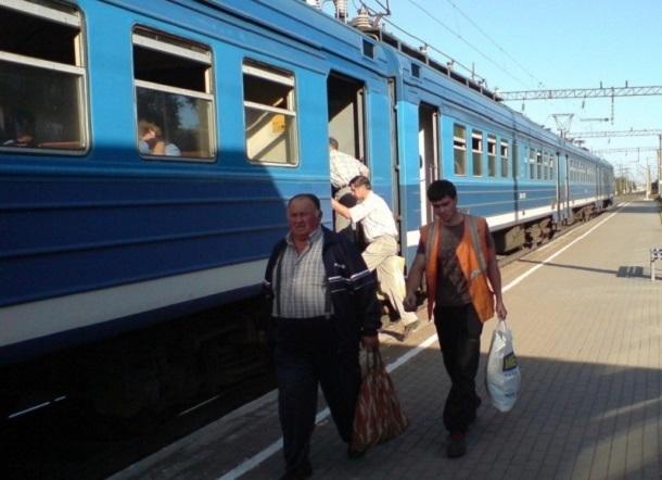 В Волгоградской области встали электрички и поезда