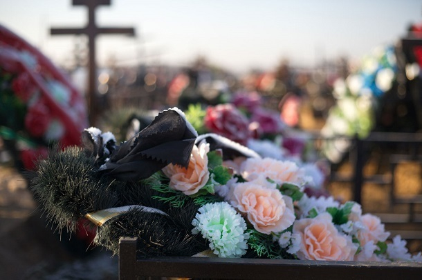 Волгоградское бюро судмедкспертизы навязывало родственникам умерших услуги похоронного агентства