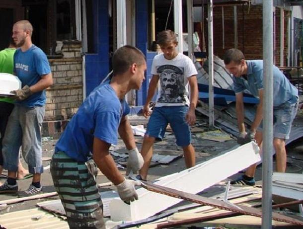 Продающий детям алкоголь и настойку боярышника киоск снесли на юге Волгограда