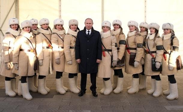 Волгоградские регулировщицы сразили президента