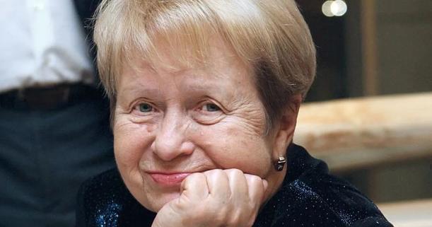 Путин поздравил сднем рождения композитора Александру Пахмутову