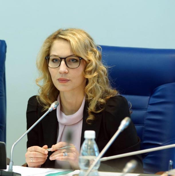 Самая красивая женщина-политик Волгограда сегодня именинница