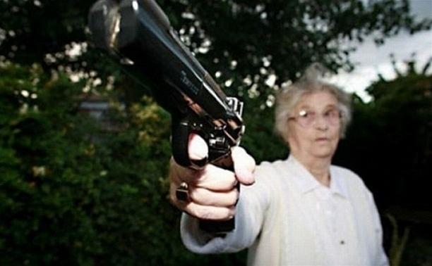 Пенсионерку из Волгограда заставили бесплатно работать охранником