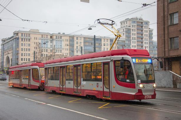 Два новых трамвая секретно доставили из Челябинска в Волгоград