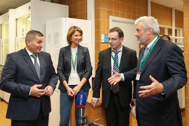 При поддержке Андрея Бочарова США получает контроль над волгоградским сельским хозяйством