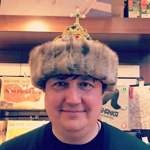Волгоградский депутат сравнил себя с Красной Шапочкой