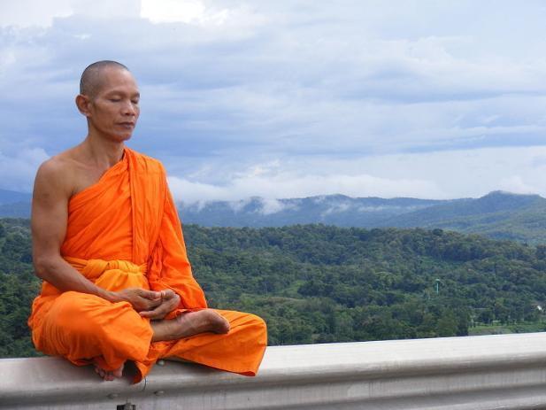 Волгоград встречает страшный день – пятницу, 13-е буддистским праздником