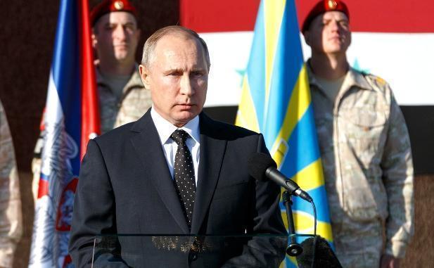 Владимир Путин пожелал волгоградским ветеранам мира и здоровья