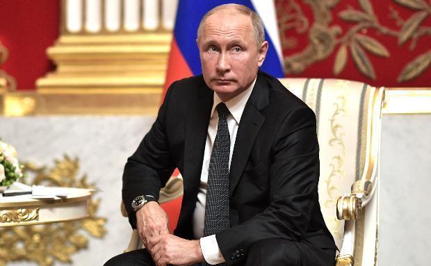 Председатель Общественной палаты Волгоградской области обокрала президента России Владимира Путина