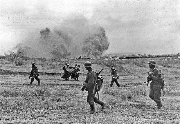 25 июля 1942 года - немецкая армия прорывает фронт благодаря огромному перевесу сил