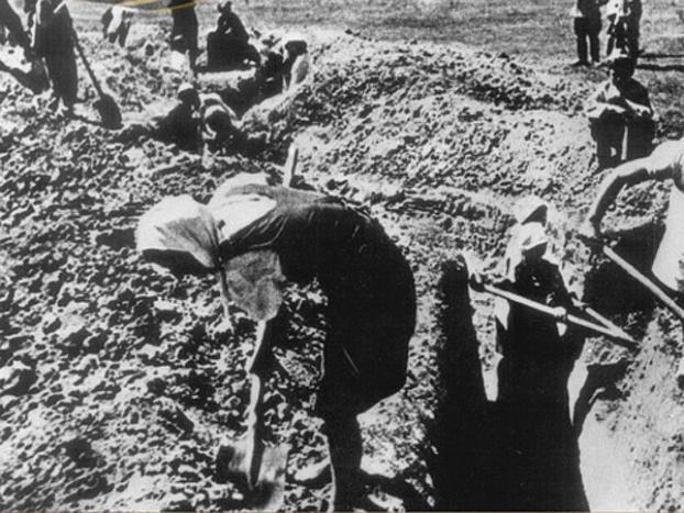 Календарь: 17 сентября 1942 год- Сталинградский комитет обороны приказал всему взрослому населению рыть окопы