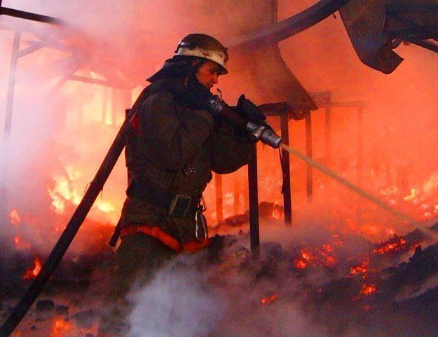В городе Жирновск Волгоградской области загорелась баня