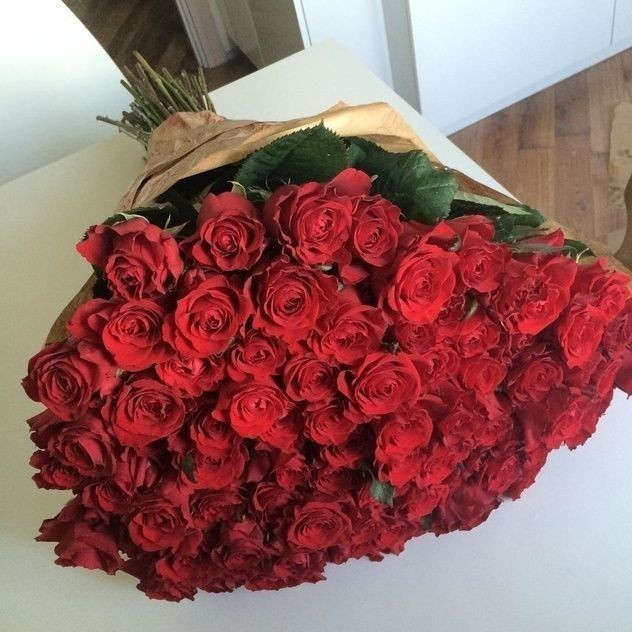 Выбираем красивые цветочные композиции на Новый год у Floristum.ru