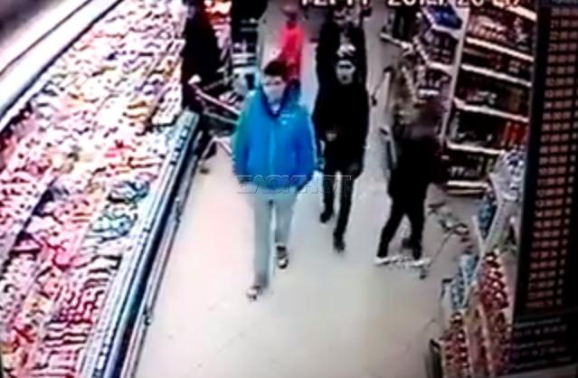 В Волгограде супермаркет «Радеж» выплатит 70 тысяч избитой охранниками 19-летней девушке