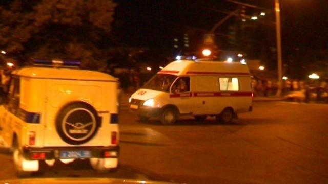 19-летний волгоградец попал под колеса иномарки на ночной дороге
