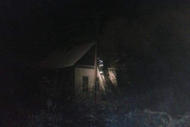 ВВолгограде напожаре вдеревянном доме пострадала 82-летняя бабушка