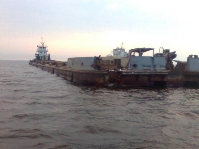 НаВолге столкнулись две баржи, перевозившие 8 тыс. тонн мазута