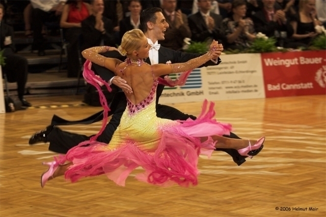 Вице-мэр Волгограда пообещал закрыть школу бальных танцев из-за «гомосексуального характера» и «крутящих поп»