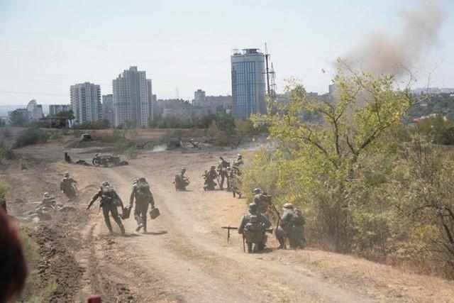 На Мамаевом кургане волгоградцы увидели фестиваль «Они сражались за Родину!» и 80-метровый триколор