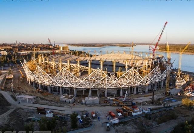 Строители стадиона в Волгограде вынуждены через трудинспекцию «выбивать» свои зарплаты