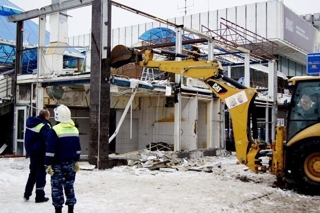 НаНабережной Волгограда ксносу клуба «Звездный» подключили тяжелую спецтехнику