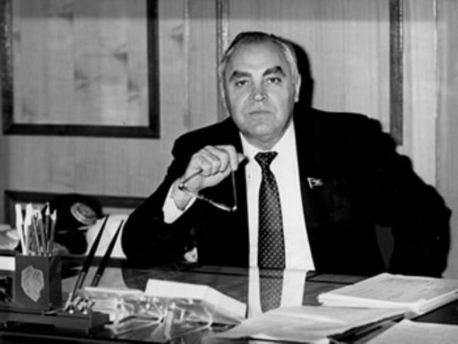 Календарь: 24 января 1990 года – народный бунт заставляет уйти в отставку руководителя области