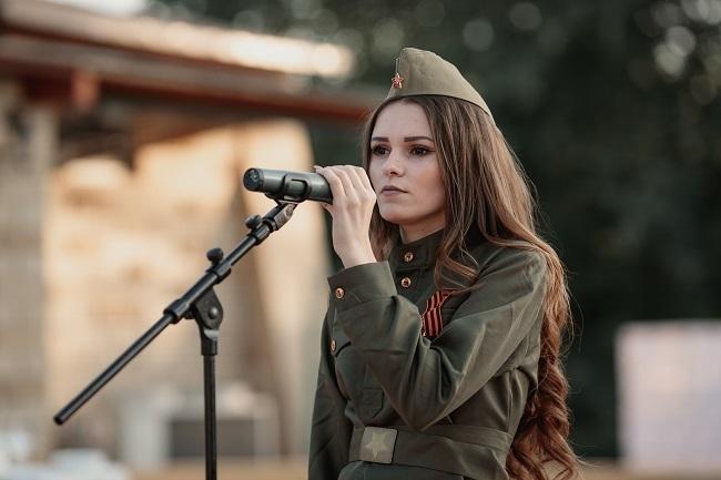 Финал конкурса «Мисс Блокнот Волгоград-2018»: красотка на сцене пережила Великую Отечественную и забыла даты