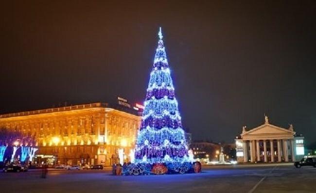 В Волгограде движение на площади Павших борцов открыто по двум полосам