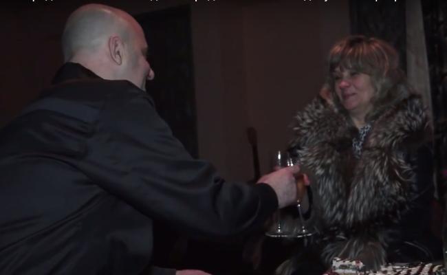 В Волгограде заключенный сделал предложение своей девушке 14 февраля