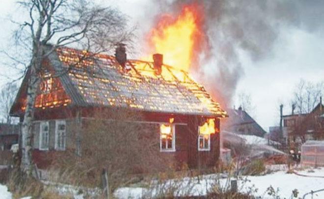 Под Волгоградом напожаре вдоме пострадал 3-летний ребенок