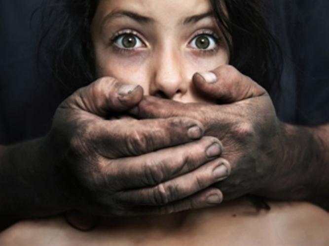 Под Волгоградом 16-летнюю студентку изнасиловал её 23-летний парень.