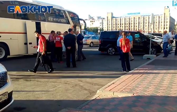 Футбольный вояж волгоградских vip-халявщиков попал на видео
