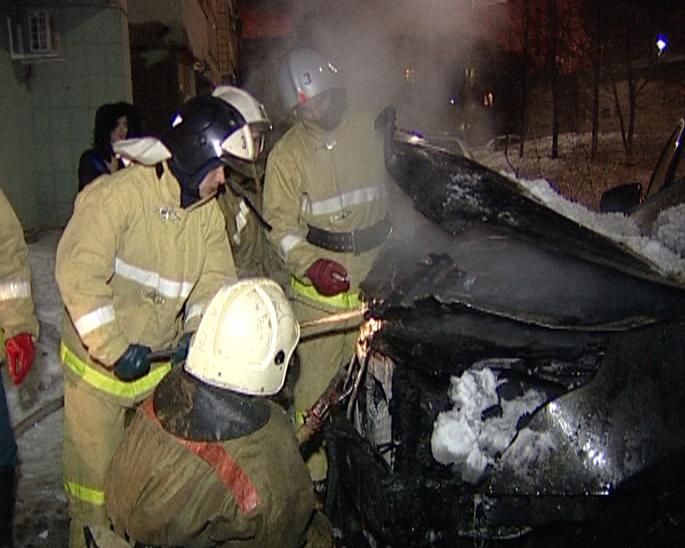 В Волгограде из-за короткого замыкания сгорел «Хендай Грандур»