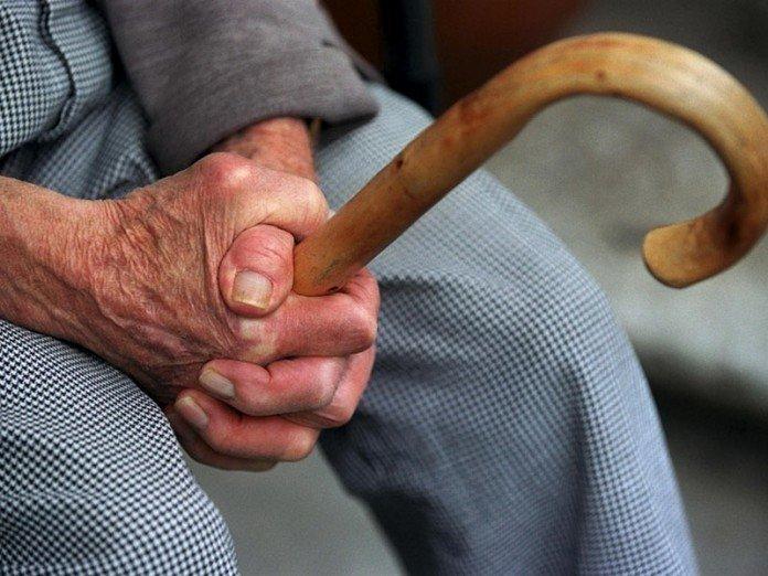 Засутки гражданин юга Волгограда «прогулял» 150 тыс. руб. 72-летнего пенсионера