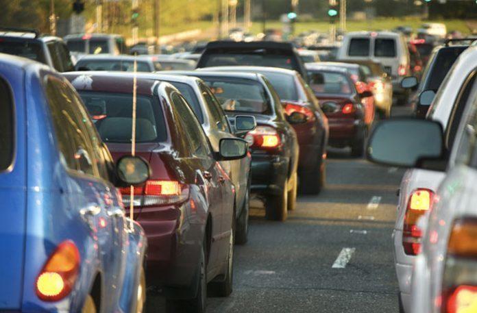 Серьезные пробки накапливаются вВорошиловском районе Волгограда