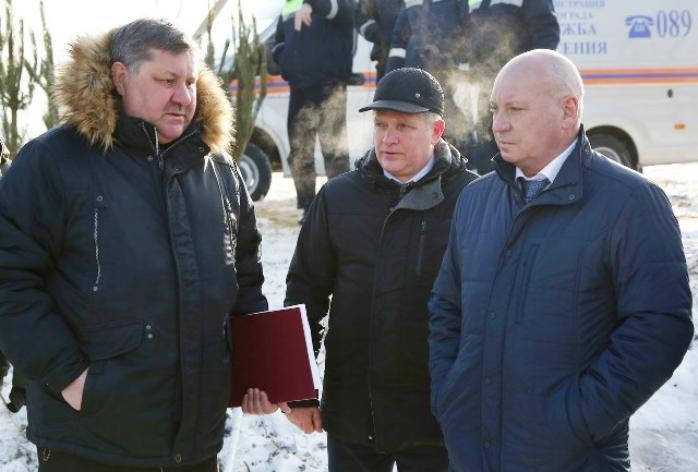 Мэр Волгограда задумчиво постоял у проруби