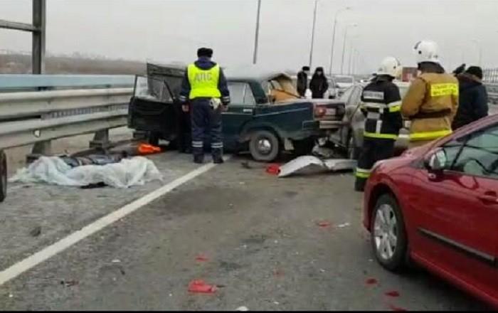 В страшной аварии с двумя погибшими волгоградцы обвинили дорожников