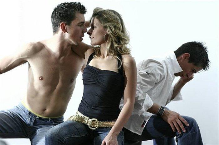 Волгоградки ищут любовников среди юристов, врачей и руководителей