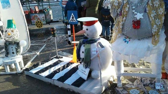 Волгоградский снеговик-регулировщик и Белоснежка боролись за право быть первыми
