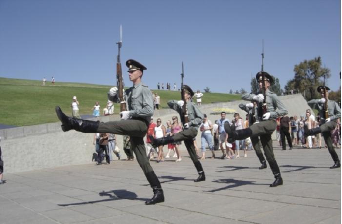 Волгоградская рота Почетного караула пополнилась призывниками