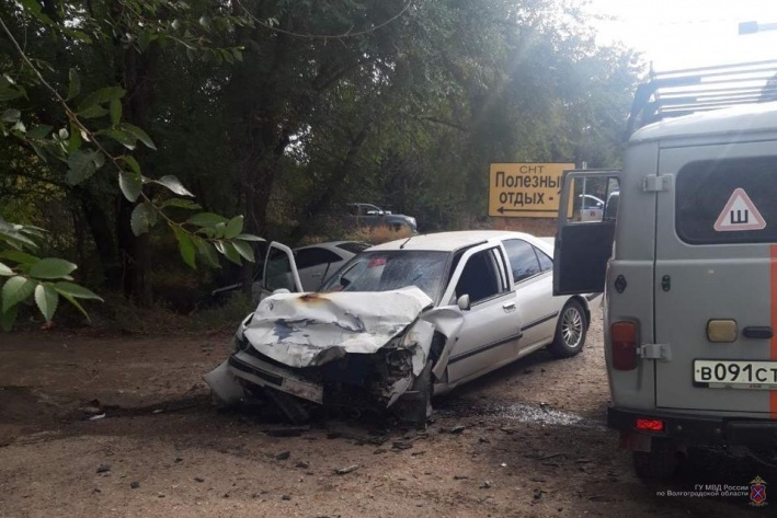 На юге Волгограда при столкновении Audi и Peugeot погиб человек
