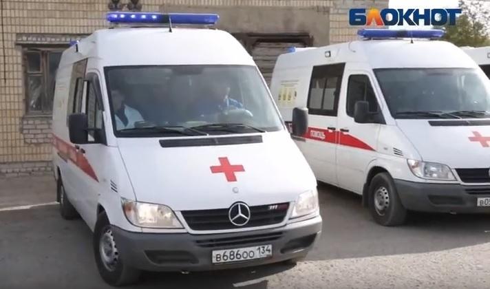 Скутерист протаранил Land Cruiser Prado и попал в больницу Волгограда