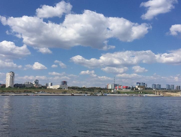 В День танкиста в Волгограде задержалось лето