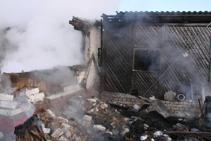 Под Волгоградом жертвой пожара стали родители и маленький сын