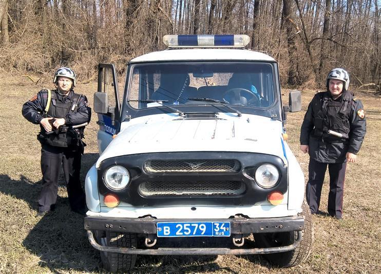 Под Волгоградом приятели пытались перевезти рельс на велосипеде