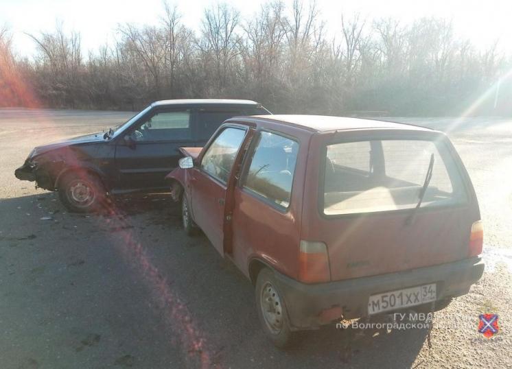 16-летняя девочка попала в больницу из-за лихача на «пятнадцатой» на трассе в Волгоградской области