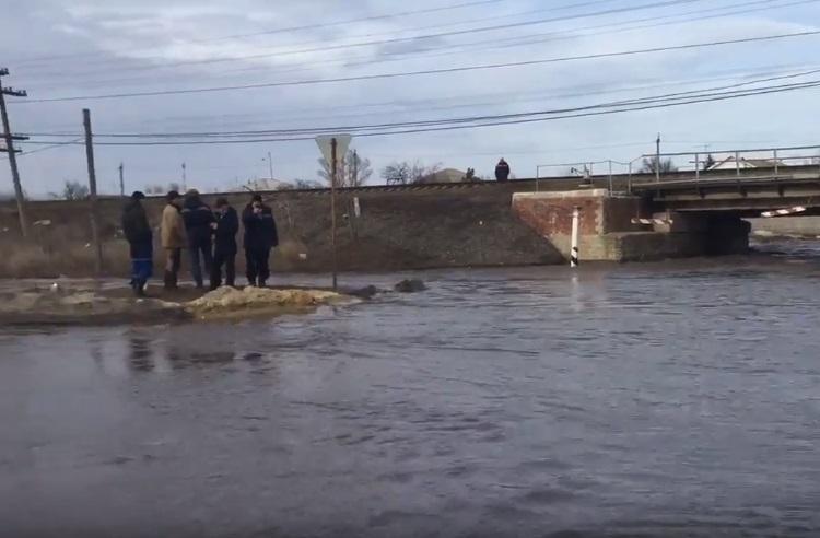Борьба с «большой водой» продолжается в девяти районах Волгоградской области