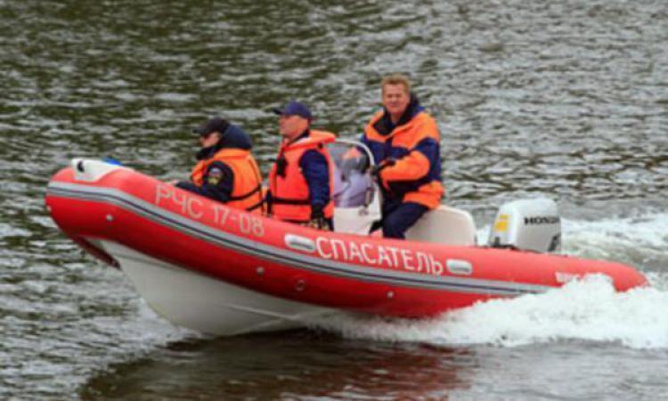 лодка с руководителем