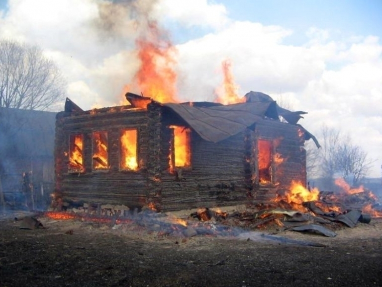 Пожар впоселке Котлубань: есть пострадавшая
